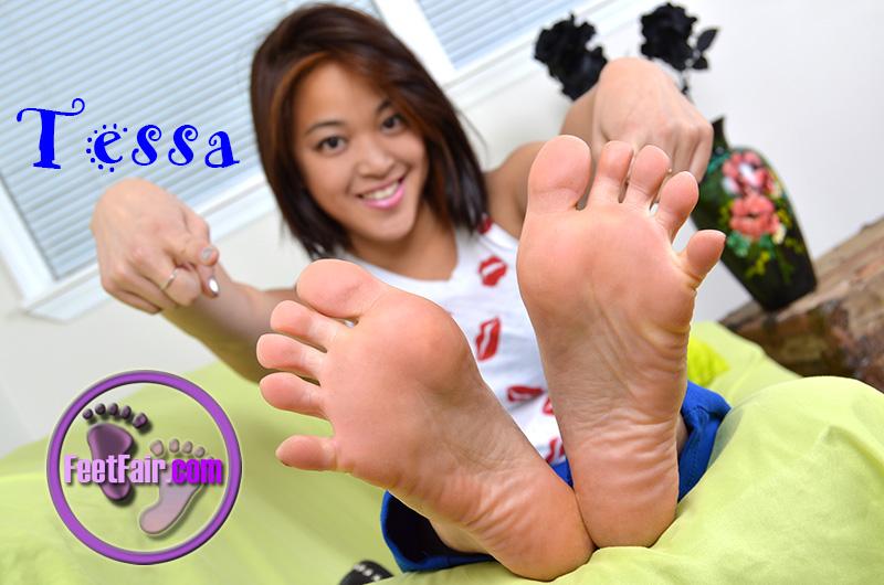lind fair tara feet